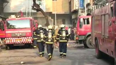 A sudden fire breakes out in the residential building in Mumbai, relief work undergoing