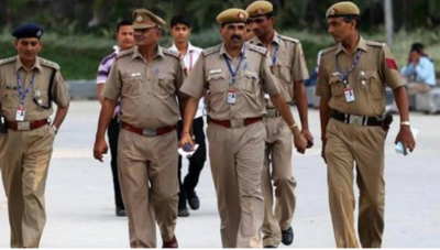 Bombing and firing in Prayagraj, three people injured