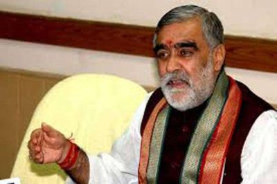 VIDEO: Student threw ink on Union Minister Ashwini Choubey, who went to know the condition of dengue patients