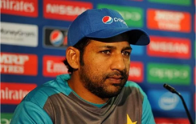 Sarfaraz Ahmed gets surrounded by trouble, PCB snatches captaincy of all three formats