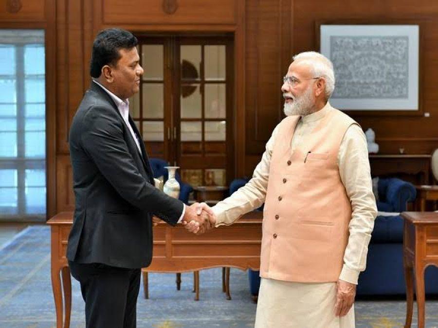 PM Modi met Amol Yadav, know who is he