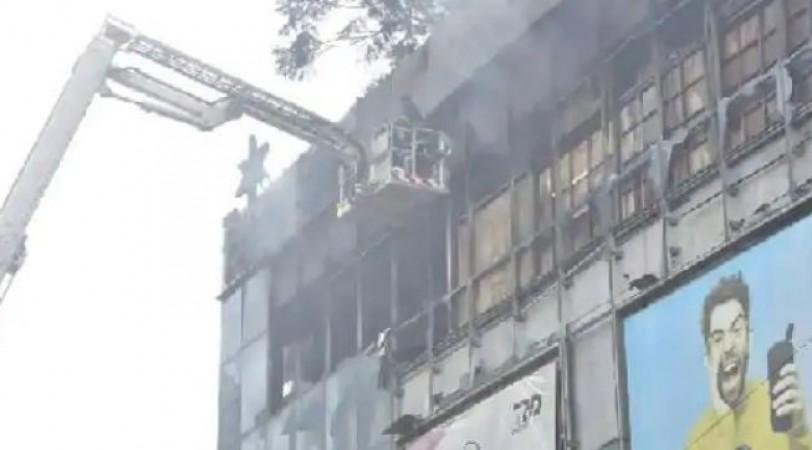 56 घंटे बाद बुझाई जा सकी मुंबई के माल में भड़की आग, 2000 करोड़ की संपत्ति हुई ख़ाक