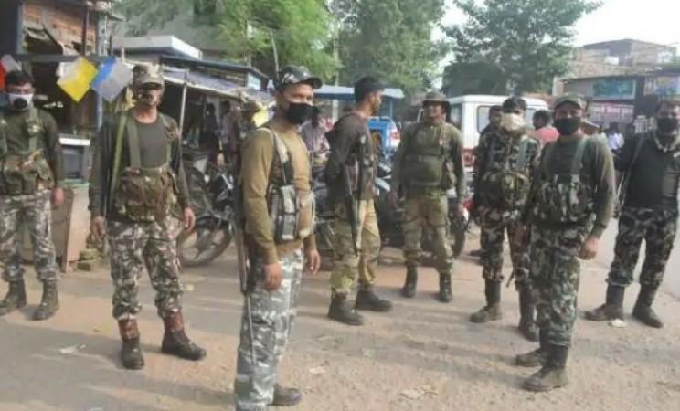 मुंगेर में दुर्गा विसर्जन के दौरान पुलिस और लोगों में झड़प, एक की मौत, कई घायल