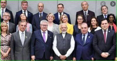 एयरपोर्ट के लिए निकली EU सांसदों की टीम, जाएगी कश्मीर