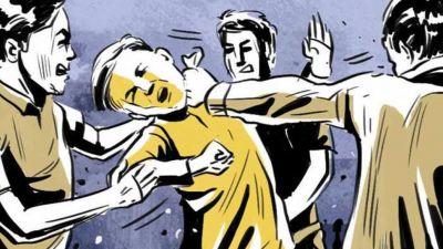 मध्य प्रदेश: बच्चा चोरी के शक में निर्दोष को पीटा, अपने बेटे के साथ यात्रा कर रहा था पिता