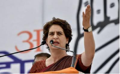 Priyanka Vadra's attacks Modi government over slowdown of economy