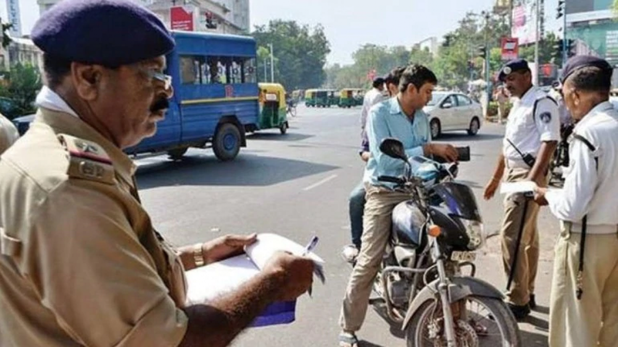 Motor Vehicle Act: If policeman breaks traffic rules, then he will have to pay double fine!