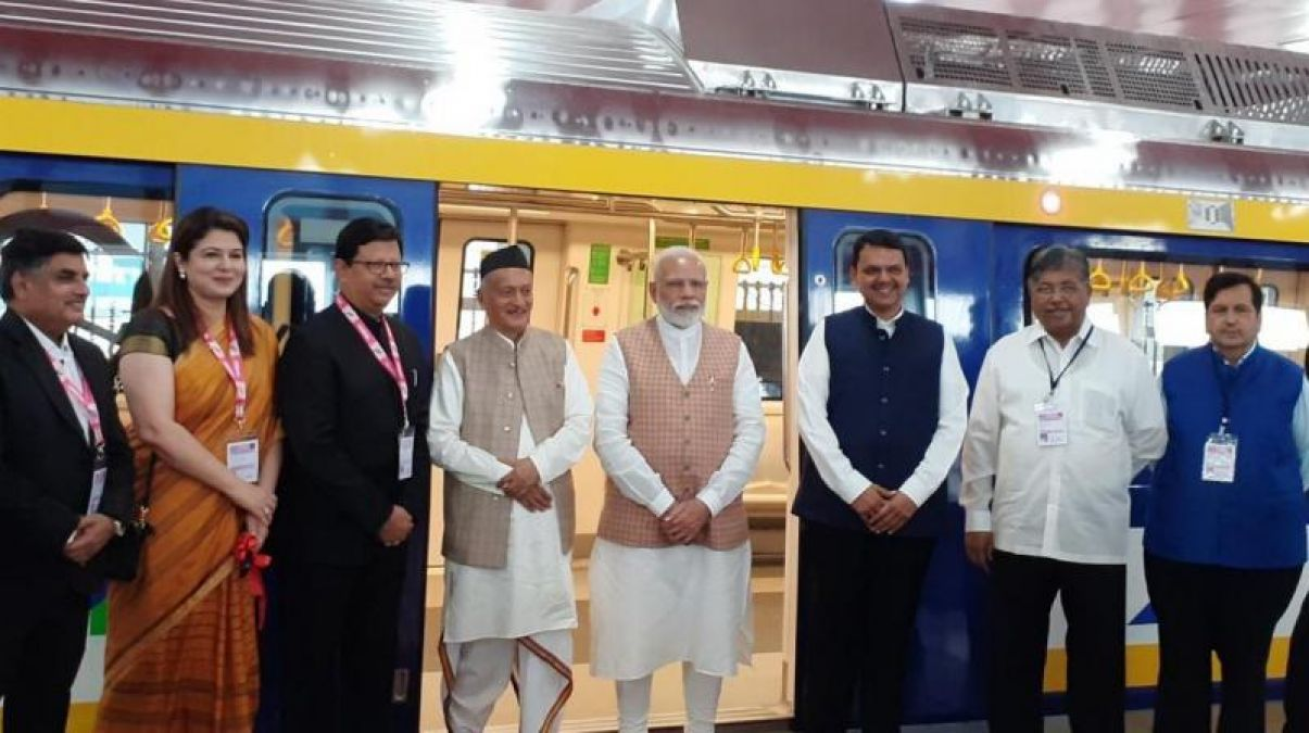 PM Modi lays foundation stone for Metro projects in Mumbai