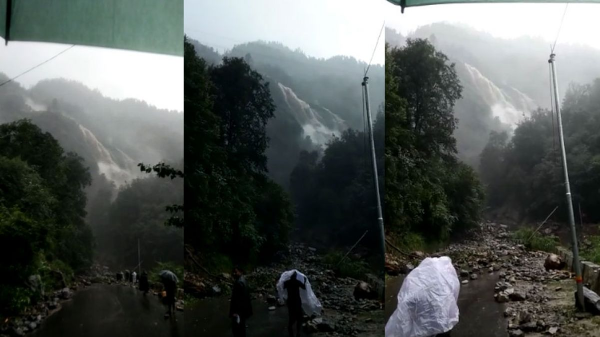 Cloud burst  at Uttarakhand, two people died and many injured