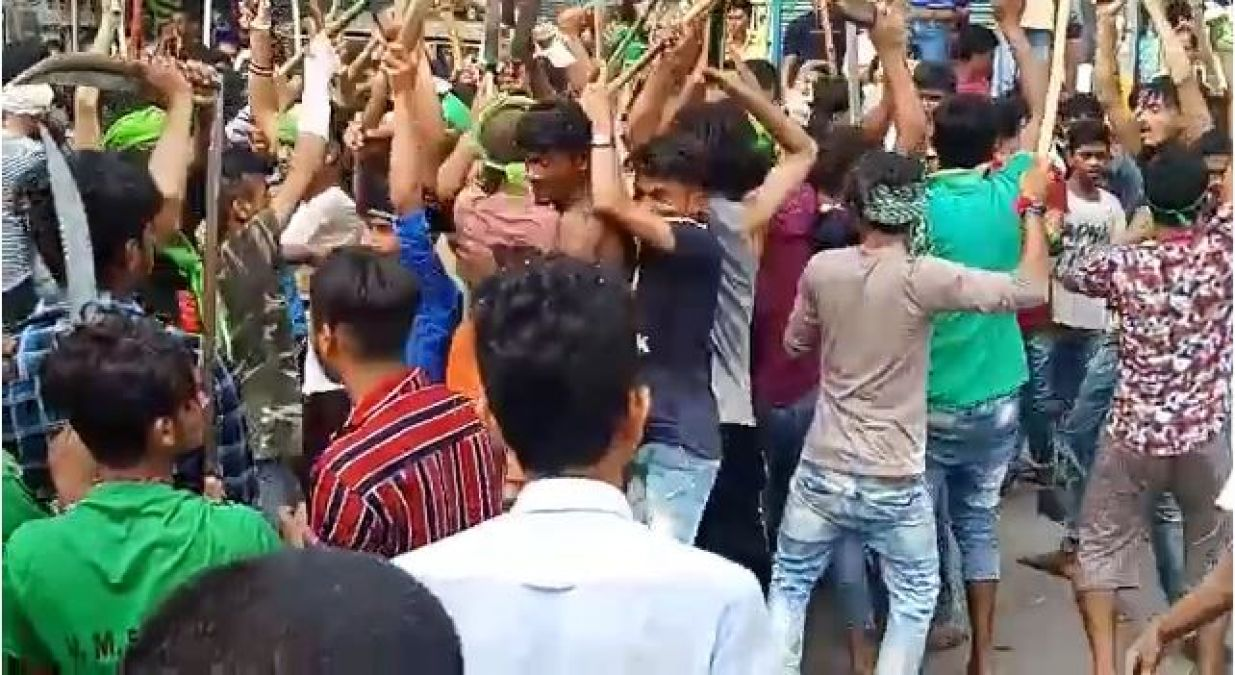 VIDEO: Youth waved pistol in Muharram procession, police remained silent