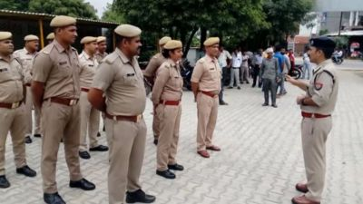 UP: Policemen found violating traffic rules will have to pay double fine