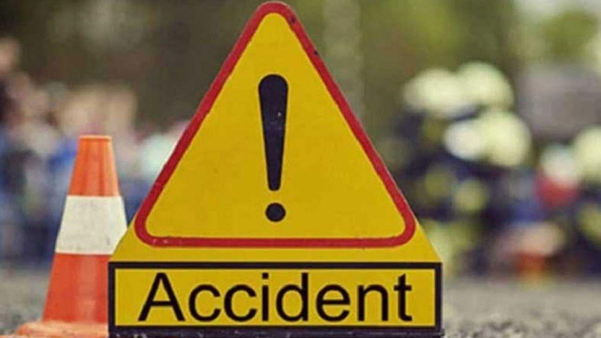 Uttar Pradesh: Speeding car rams into truck in Hapur, 5 dead