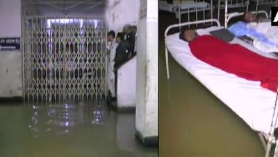 Indore: MY hospital transformed into a pond due to continuous rains