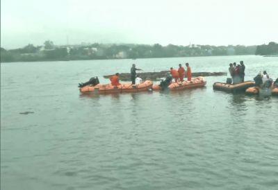मध्य प्रदेश में गणेश विसर्जन के दौरान बड़ा हादसा, नाव पलटने से 11 लोगों की मौत