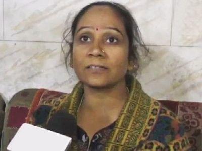 बसपा MLA रामबाई ने फिर दिखाया उग्र रूप, सील करवाया डॉक्टर का क्लिनिक, दवाइयां भी की जब्त