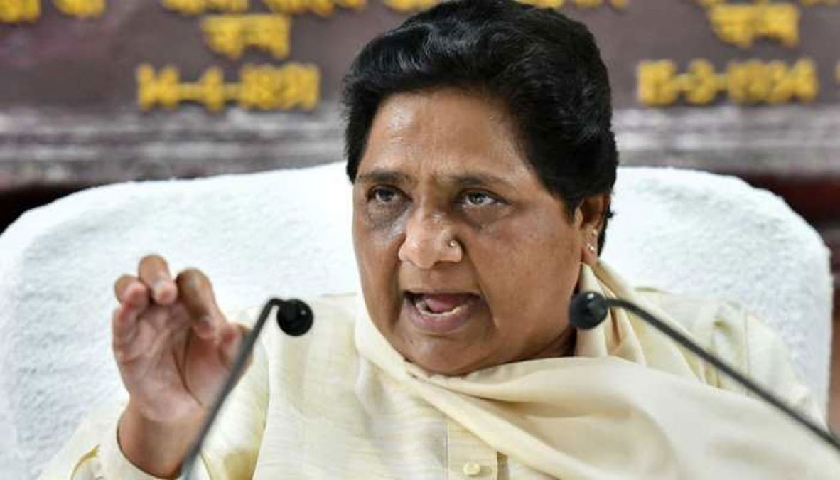 Mayawati attacks on Gangwar's statement, says, 'apologize to Union Minister'