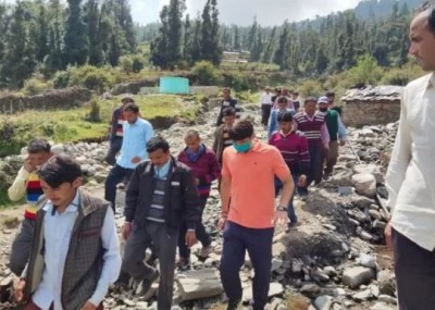 Collector reached village walking 17 km on foot, villagers surprised