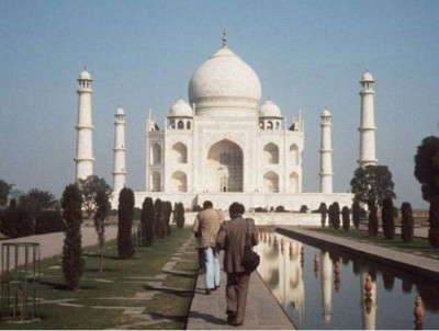 Taj Mahal and Agra Fort to open from September 21, hotels started preparation