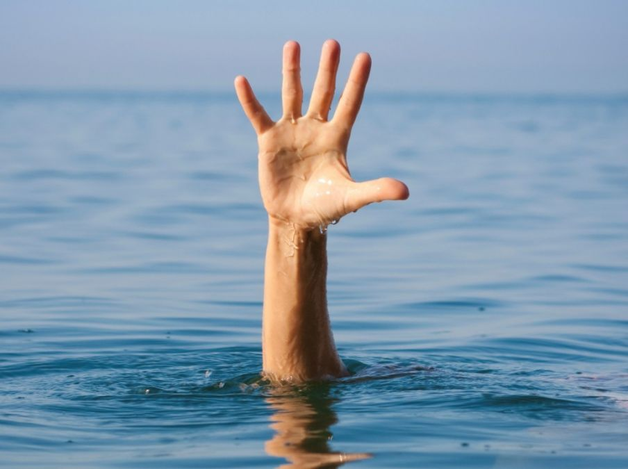Five drowned, including four girls bathing in Ganga, divers engaged in search of missing people!