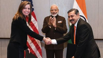 Houston:  Energy Sector CEOs meets PM Modi, signed 50-ton gas supply agreement