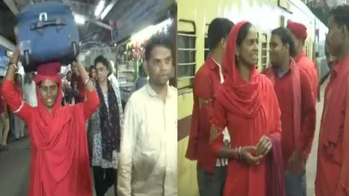 This is the first woman porter of Bhopal, 'Lakshmi Badge number 13'