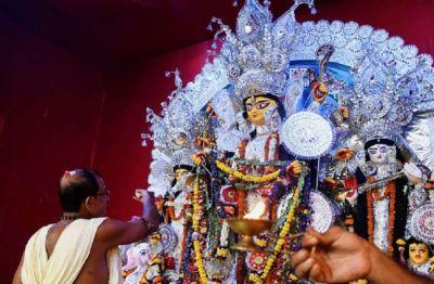 इस राज्य के सीएम को 3,000  पूजा आयोजकों ने दिया उद्घाटन का आमंत्रण
