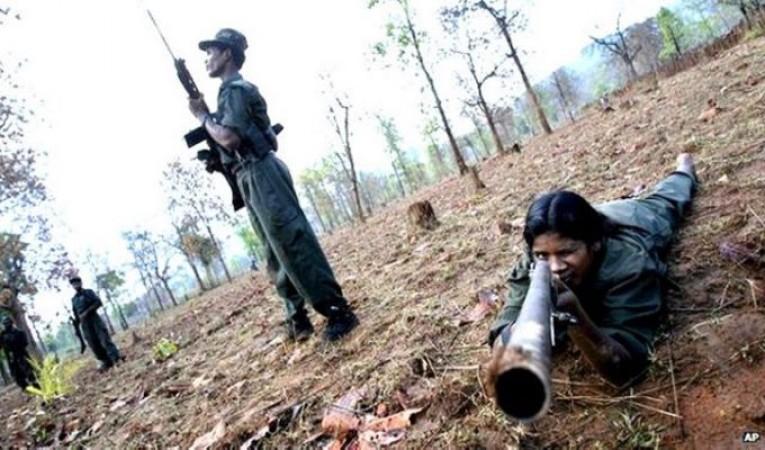 तेलंगाना में माओवादियों के साथ पुलिस की मुठभेड़, 2 महिलाओं सहित तीन माओवादी ढेर