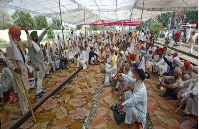 Farmers Begin Protest Against Farm Bills, Block Rail Tracks