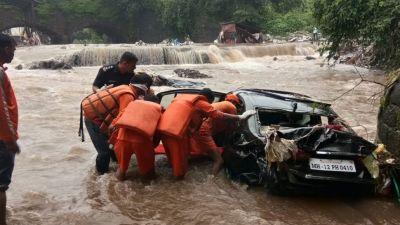 पुणे में भीषण बारिश ने मचाई तबाही, अब तक 7 की मौत, स्कूल-कॉलेज बंद