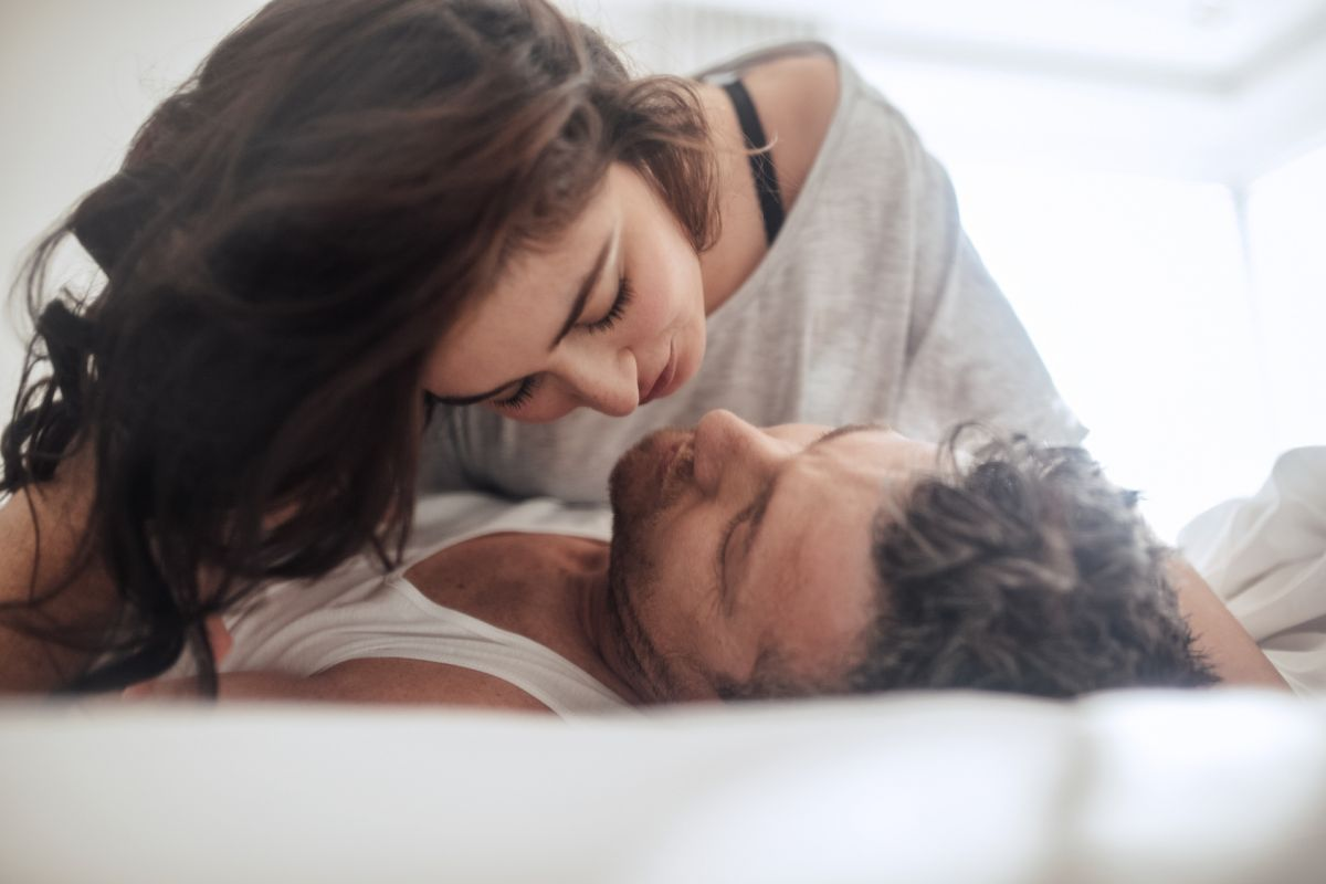 5 super fast and amazing ways to get your partner interested in sex