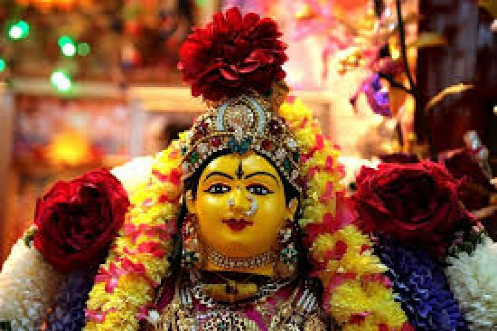 On Varlakshmi Vrat, do this puja, so every wish will be fulfilled