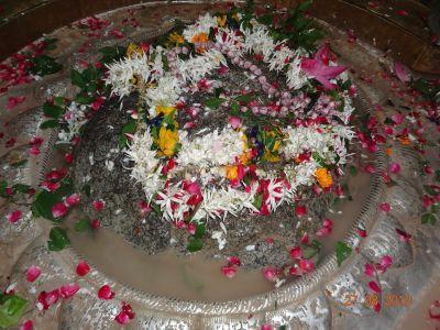 यहां खिचड़ी से प्रसन्न होते हैं भगवान शिव, रोचक है इस मंदिर का इतिहास