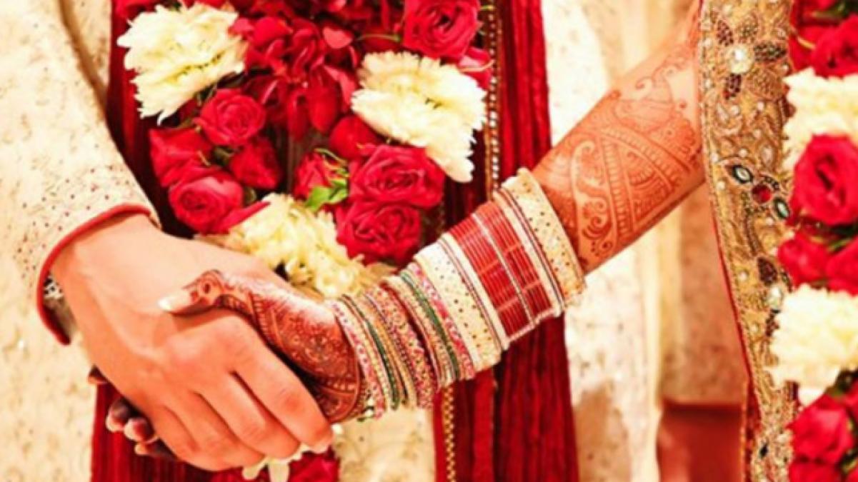 पति-पत्नी में प्रेम बढ़ाने के लिए हरतालिका तीज के दिन जरूर करें यह उपाय