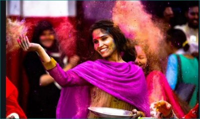 Choose colors to play Holi according to zodiac