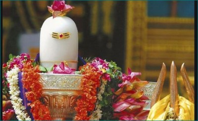 Beautiful wife found by offering milk on Shivling during Sawan month