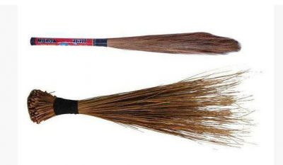 Bind this one thing in the broom of your house, this will bring riches overnight.