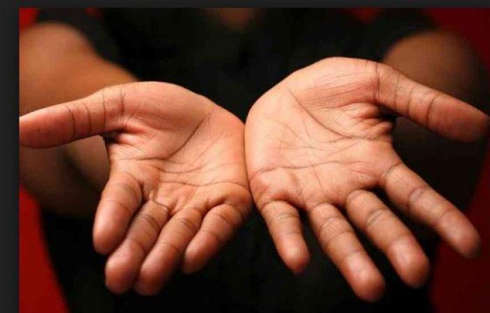 आपके बारे में बहुत कुछ बता देता है आपके हाथ का अंगूठा
