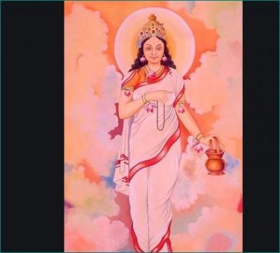 Worship Maa Brahmacharini on second day of Navratri