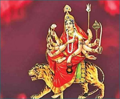 Today is the third day of Navratri, worship mother Chandraghanta in this way