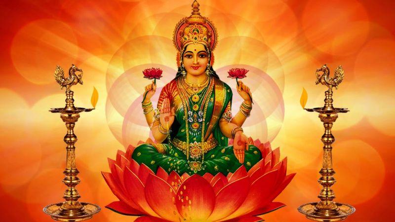 इस तरह भूलकर भी ना रखें माँ लक्ष्मी की मूर्ति, होगा भारी नुकसान