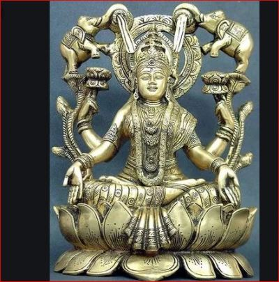 पितृ पक्ष की अष्टमी को करें इन 4 मन्त्रों से गजलक्ष्मी की पूजा, हो जाएंगे मालामाल