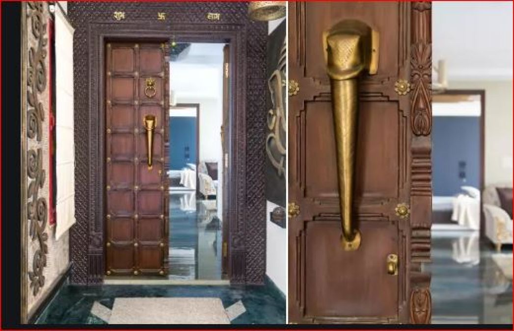 Vaastu Tips: If there are such doors in your house, then you will become poor
