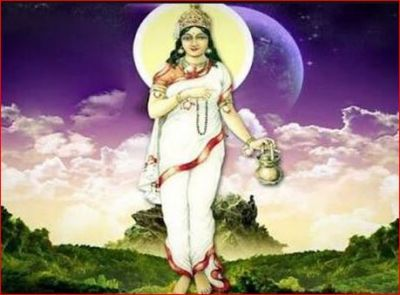 Worship Maa Brahmacharini with this method and mantra on the second day of Navratri