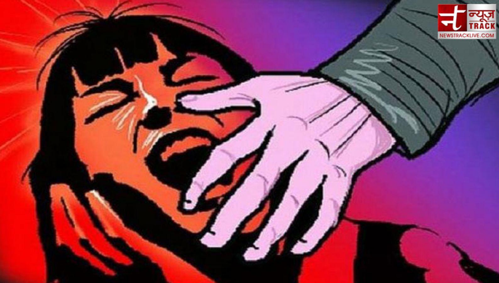 बॉयफ्रेंड संग घूमने गई लड़की को नकली पुलिसवालों ने पकड़ा और कर दिया तार-तार