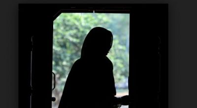 A woman attempts suicide as the husband gives Triple Talaq