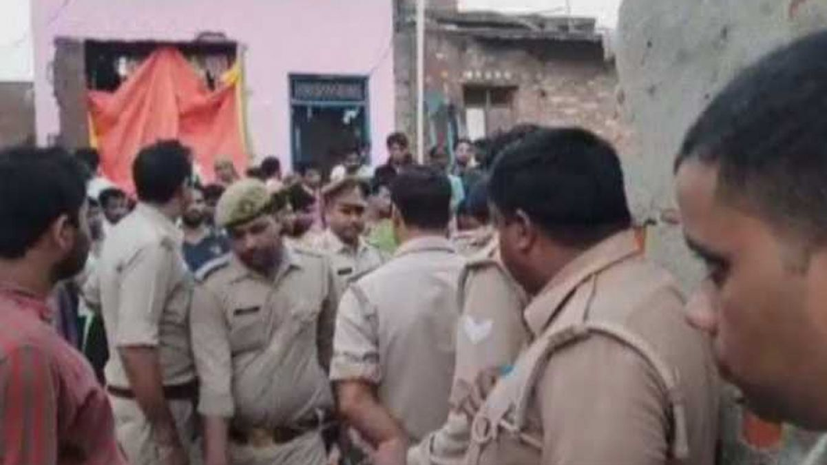 Two dead after unknown miscreants barge into Ghaziabad house