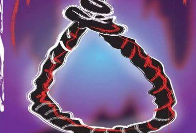 कर्ज में डूबा था व्यक्ति, पत्नी और दो बेटियों की हत्या कर लगाई फांसी