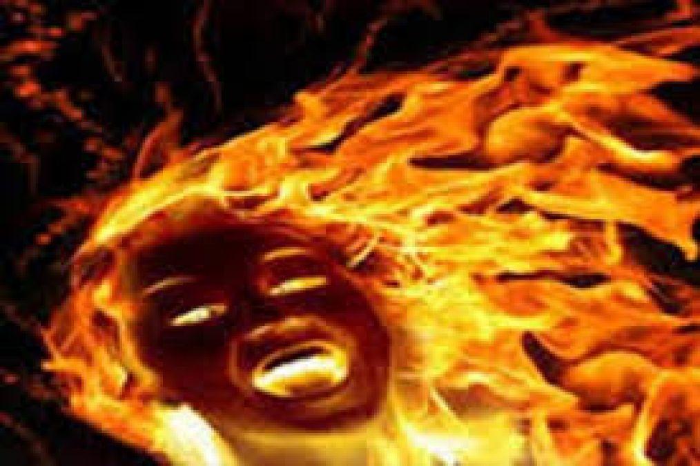विवाहिता ने लगाई खुद को आग, बचाने गए पति और देवर भी झुलसे