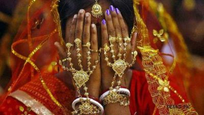 Girl was going to marry 10th boy of same colony, then what happened next will shocked everyone