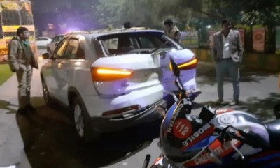 Uttar Pradesh: Driver open fire after two-car collides in Ghaziabad
